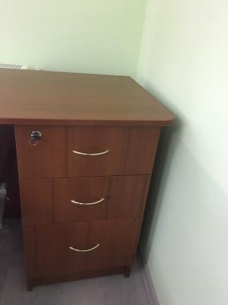 Офисный стол в хорошем состоянии. Размер высота 75 см, ширина стола 71 см,  разм. Львов, Львовская область. фото 4