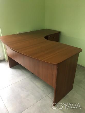 Офисный стол в хорошем состоянии. Размер высота 75 см, ширина стола 71 см,  разм. Львов, Львовская область. фото 1