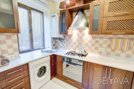 1-комнатная квартира-студия в одном из живописнейших мест Одессы, находится на у. Приморский, Одесса, Одесская область. фото 1