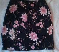 Продам красивую юбку в отличном состоянии. Длина - 47 см, талия - 35 см, бедра- . Киев, Киевская область. фото 3