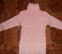 Свитер-водолазка на девочку нежно-розового цвета с жилеткой. Длина свитера - 45 . Кривий Ріг, Дніпропетровська область. фото 2