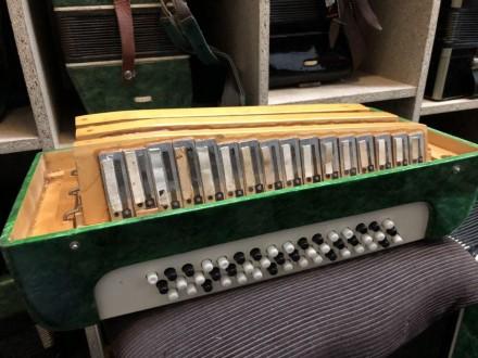 · Количество кнопок левой клавиатуры (Басы): 5 рядов, 100 шт · Количество кнопок. Чернигов, Черниговская область. фото 10