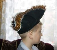 В идеальном состоянии, был одет 1 раз. Штаны, белая блузка, красный пояс, шляпа-. Сумы, Сумская область. фото 3