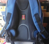 Рюкзак в идеальном состоянии!!!   Очень качественный, ребенок очень доволен, р. Кривой Рог, Днепропетровская область. фото 3
