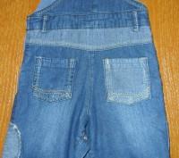 джинсовый комбинезон очень качественный украшен апликациями есть пуговицы,с помо. Запорожье, Запорожская область. фото 3