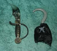 Костюм пирата в хорошем состоянии :штаны, футболка с желеткой , бандана, меч, кр. Сумы, Сумская область. фото 3