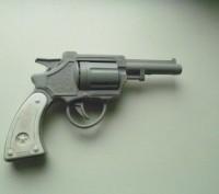 Детский пистолет времен СССР. Киев. фото 1