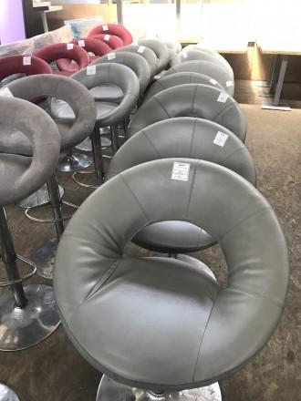 Продам б/у кресло поворотное, для кафе, баров, ресторанов. Киев. фото 1