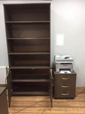 Продается комплект из 2 Шкафов + тумба Шкафы в хорошем состоянии ,есть небольши. Киев, Киевская область. фото 3