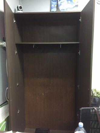 Продается комплект из 2 Шкафов + тумба Шкафы в хорошем состоянии ,есть небольши. Киев, Киевская область. фото 2