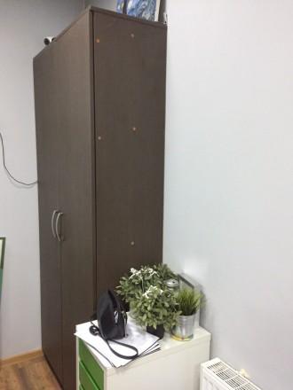 Продается комплект из 2 Шкафов + тумба Шкафы в хорошем состоянии ,есть небольши. Киев, Киевская область. фото 4