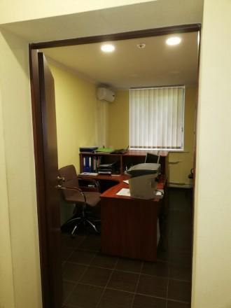Сдам офис на цокольном этаже  ·      расположение офиса - выходит на красную ли. Центр, Днепр, Днепропетровская область. фото 3
