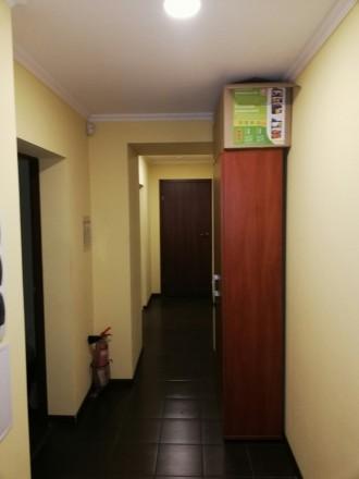 Сдам офис на цокольном этаже  ·      расположение офиса - выходит на красную ли. Центр, Днепр, Днепропетровская область. фото 6