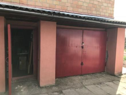Продаём кирпичный 3х этажный  дом в экологически чистом месте ,  Фостовский р-н . Фастов, Киевская область. фото 3