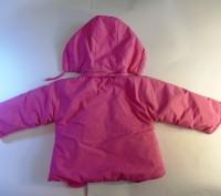 Яркая розовая курточка на принцессу. Рукавички пристегиваются  на кнопочках к ка. Запорожье, Запорожская область. фото 5