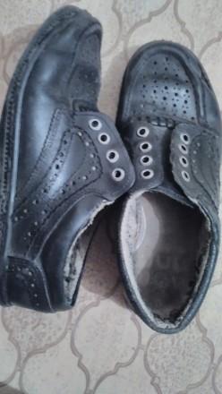 кожанные, черные, на шнурках, в дырочку, легкие, ношенные , но мягкие и удобные. Дніпро, Дніпропетровська область. фото 3