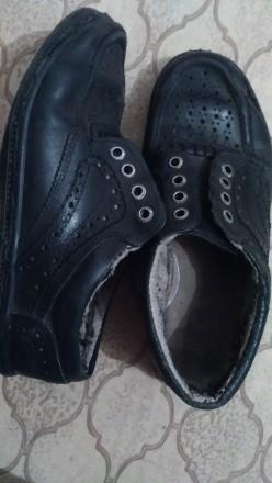 кожанные, черные, на шнурках, в дырочку, легкие, ношенные , но мягкие и удобные. Днепр, Днепропетровская область. фото 4