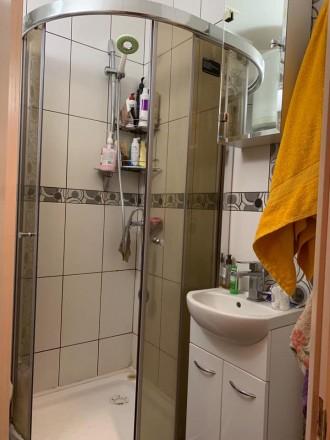 Состояние квартиры: Пол — ламинат Стены — обои Потолки — ровные  В квартире. Одесса, Одесская область. фото 6