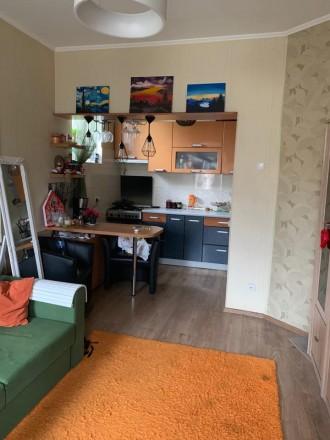 Состояние квартиры: Пол — ламинат Стены — обои Потолки — ровные  В квартире. Одесса, Одесская область. фото 5