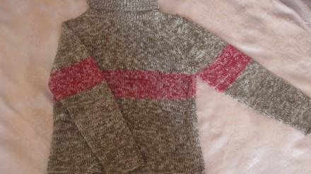 теплый свитер в идеальном состоянии.  Ткань-шерсть. Размер-140. При покупке дву. Житомир, Житомирская область. фото 1