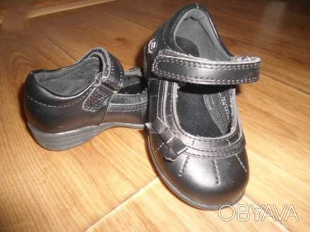 Туфельки для девочки новые. Не носили - купили в конце весны, а на осень уже мал. Запорожье, Запорожская область. фото 1