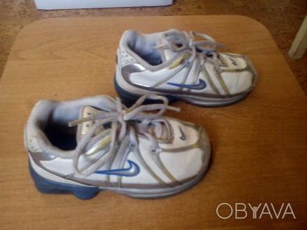 Продам фирменные кроссовки кожаные для мальчика Nike белого цвета 24 размер (дли. Запорожье, Запорожская область. фото 1