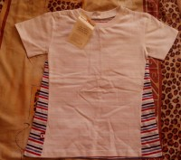 Продам новую футболку для мальчика 4-5 лет. Застёгивается на плече, спереди бела. Запорожье, Запорожская область. фото 2