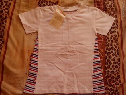 Продам новую футболку для мальчика 4-5 лет. Застёгивается на плече, спереди бела. Запорожье, Запорожская область. фото 1