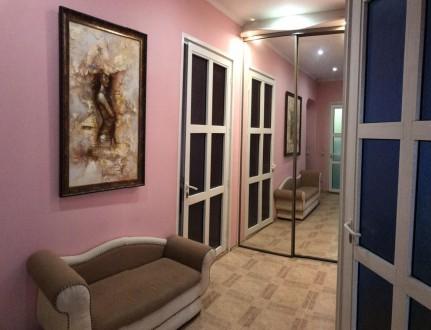 Сдается возле метро, 2-х  комнатная  квартира с раздельными комнатами и большой . Киев, Киевская область. фото 3