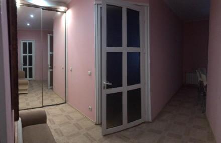 Сдается возле метро, 2-х  комнатная  квартира с раздельными комнатами и большой . Киев, Киевская область. фото 6