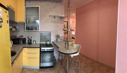 2-комнатная квартира, 64 м.кв.. Киев. фото 1