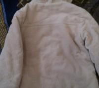 Продаю удлиненную куртку на холодную осень в идеальном состоянии , очень теплая,. Київ, Київська область. фото 3