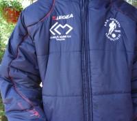 Фирменная куртка известного спортивного бренда LEGEA. Цвет темно синий .Капюшон . Киев, Киевская область. фото 4
