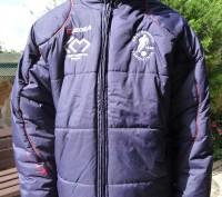 Фирменная куртка известного спортивного бренда LEGEA. Цвет темно синий .Капюшон . Киев, Киевская область. фото 2