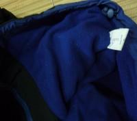 Фирменная спортивная куртка. Цвет черный комбинированный с синим . Внутри на фли. Киев, Киевская область. фото 6
