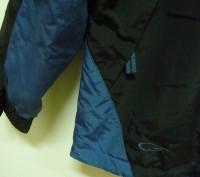 Фирменная спортивная куртка. Цвет черный комбинированный с синим . Внутри на фли. Киев, Киевская область. фото 3