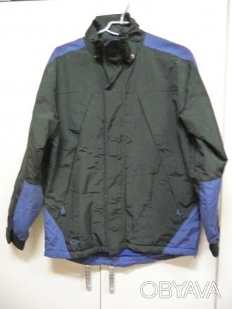 Фирменная спортивная куртка. Цвет черный комбинированный с синим . Внутри на фли. Киев, Киевская область. фото 1