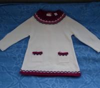Продам платье вязанное Gloria Jeans (Китай) на 12 - 18 месяцев (86 р.). Спереди . Киев, Киевская область. фото 2