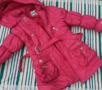 Куртка теплая осень-зима ,мех на капюшоне отстегивается ,не промокает,наполнение. Киев, Киевская область. фото 2