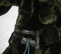 Детская шубка на девочку искусственная с капюшоном, который на 3-х пуговицах. Те. Киев, Киевская область. фото 3