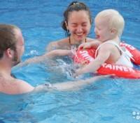 Раннее плавание детей способствует их быстрому физическому и психомоторному разв. Київ, Київська область. фото 4