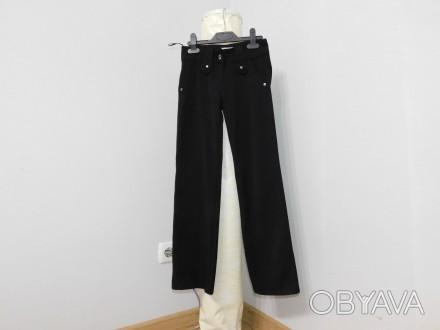 Продам школьный штаны в хорошем состоянии Ткань не тонкая хорошего качества не . Київ, Киевская область. фото 1