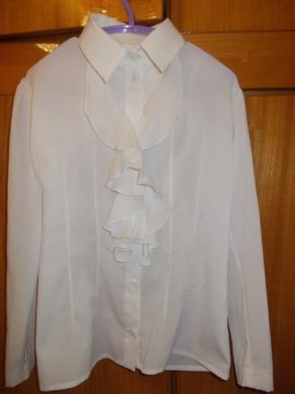 Блузка рубашка детская светлая на 6-7лет ,плечи-33 см,длинна-53см,пог-38см.,рука. Полтава, Полтавская область. фото 3