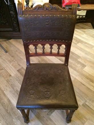 Стол с стульями. Антикварная мебель. Очень лёгкий и изящный гарнитур. Львов. фото 1