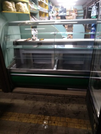 Продам холодильну вітрину довжиною 2 м, в експлуатації 2 роки, в гарному стані.. Киев, Киевская область. фото 2