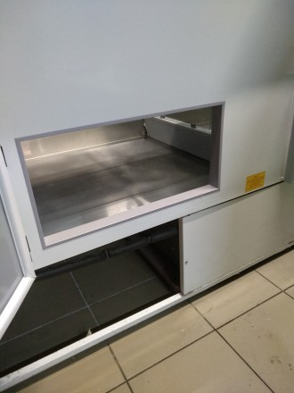 Продам холодильну вітрину довжиною 2 м, в експлуатації 2 роки, в гарному стані.. Киев, Киевская область. фото 3
