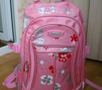 продам новый рюкзак, портфель  для девочки, размер длина 45см, ширина 30см, высо. Черкаси, Черкаська область. фото 2
