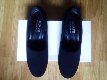 Туфлі. Черновцы. фото 1