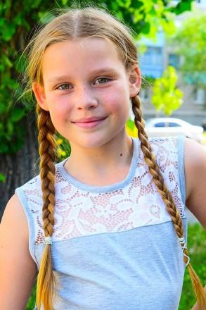 Красивая блуза для девочки, украшена вставкой из нежного кружева. Прекрасный вар. Горишные Плавни, Полтавская область. фото 4