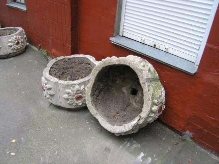 4 бетонные клумбы-цветочницы